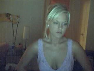 Teen chick undressing